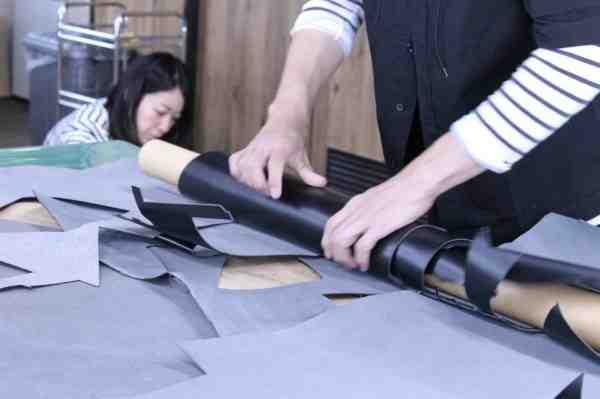 一枚の革からモノを作り出す想像力。Munekawaの製作風景