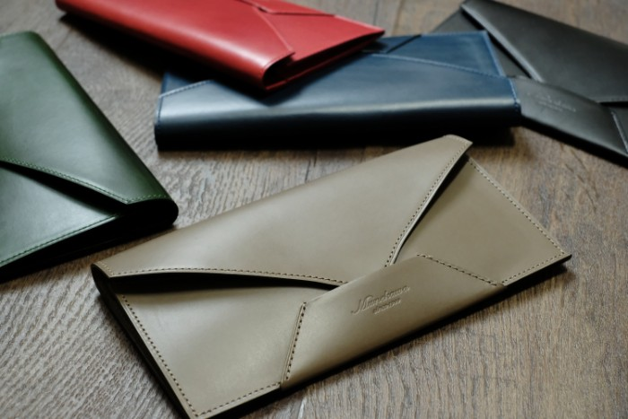 finest selection a2fc6 03e86 おもてなしの心」が伝わるデザイン。封筒型長財布Encase | munekawa