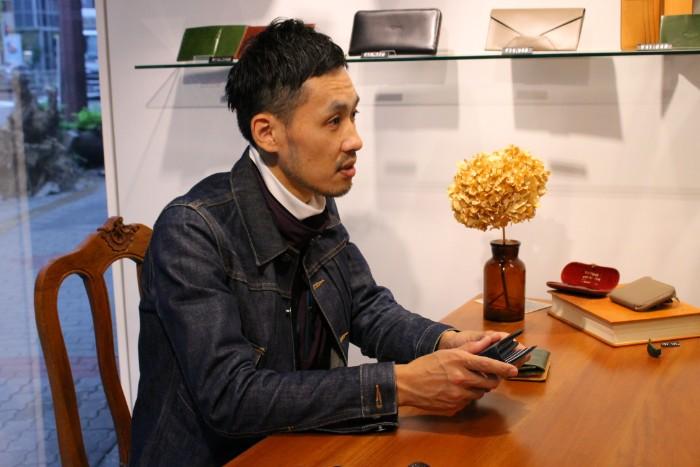 Munekawaスタッフの愛用アイテム #2「二つ折り財布 Feel Coin2」