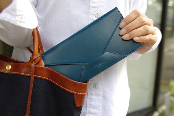 封筒型財布Encase