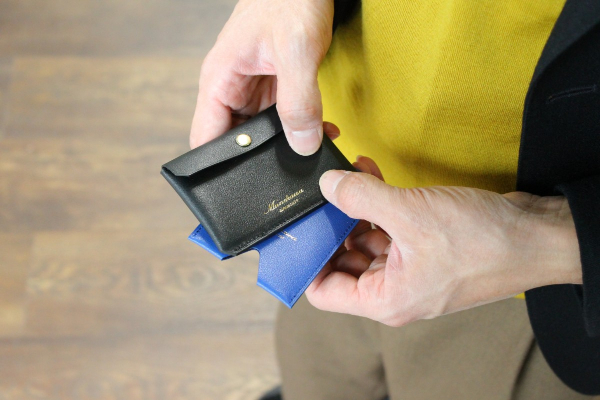カードケースTuckとSliceのエンボスレザータイプのご紹介