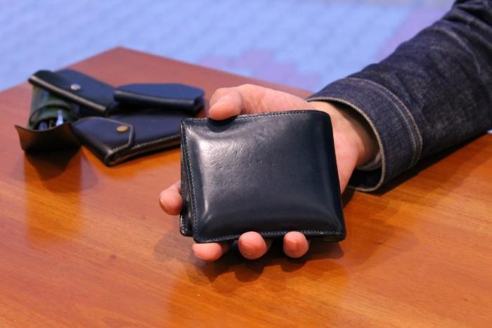 二つ折り財布Feel coin2の使い方の動画をアップしました。