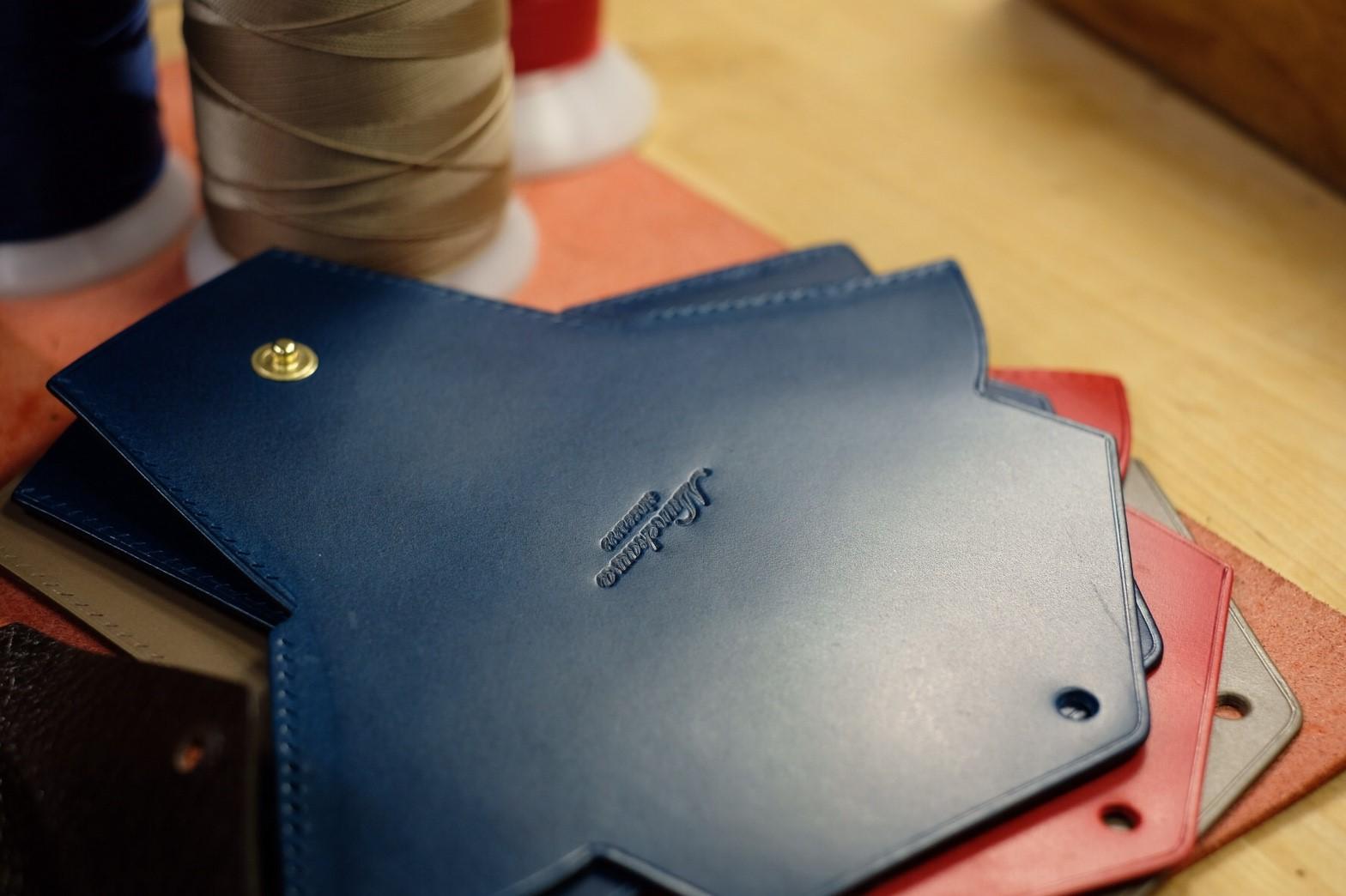 手縫いコインケースHoldのご紹介②の動画を公開しました。