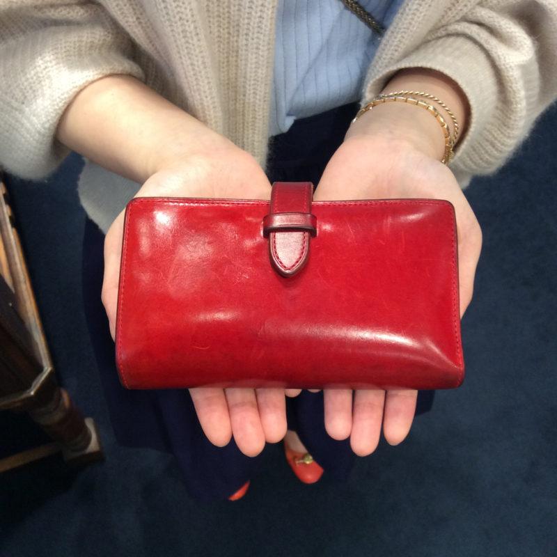 30代 女性 /ストラップ付縦長二つ折り財布 Fasten レッド