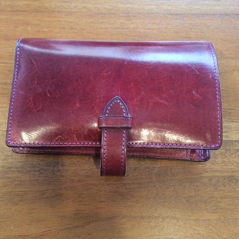 60代 女性 /ストラップ付縦長二つ折り財布 Fasten パープル
