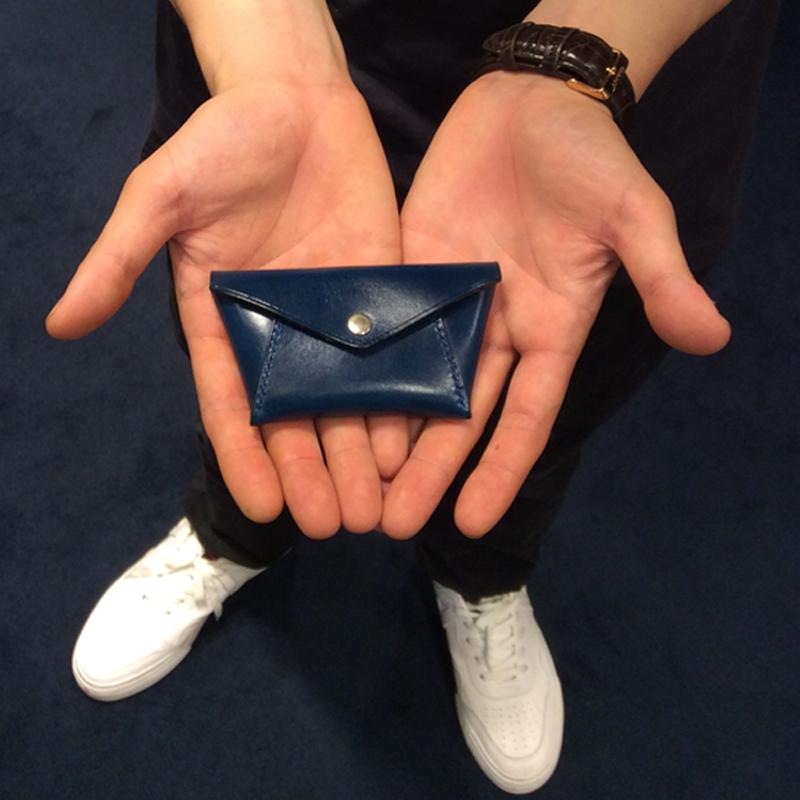 30代 男性 / 手縫いコインケース Hold ブルー