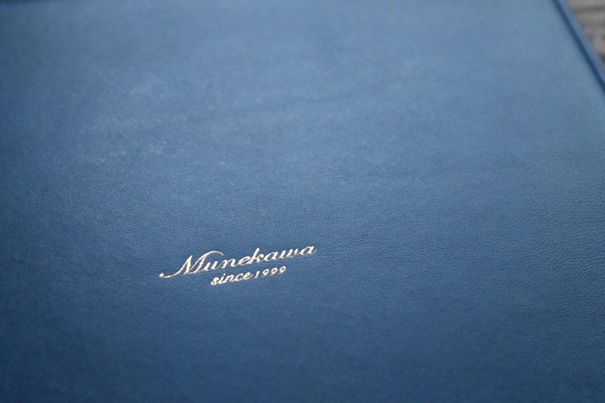 レザーマウスパッドの製作風景③ ロゴの刻印