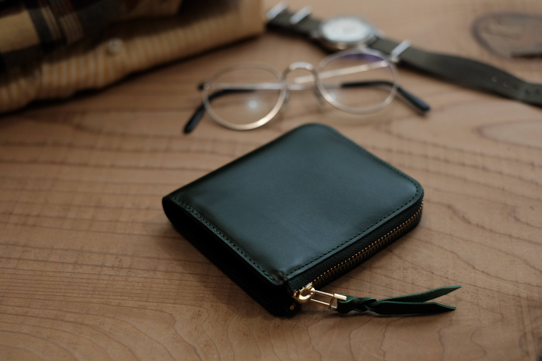 L字ファスナー財布Cramの製作風景 ②グラインダー、縫製、仕上げ