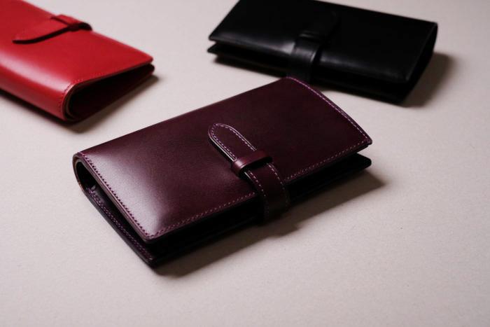 「デザイン」=「機能性」二つ折り財布 Fasten