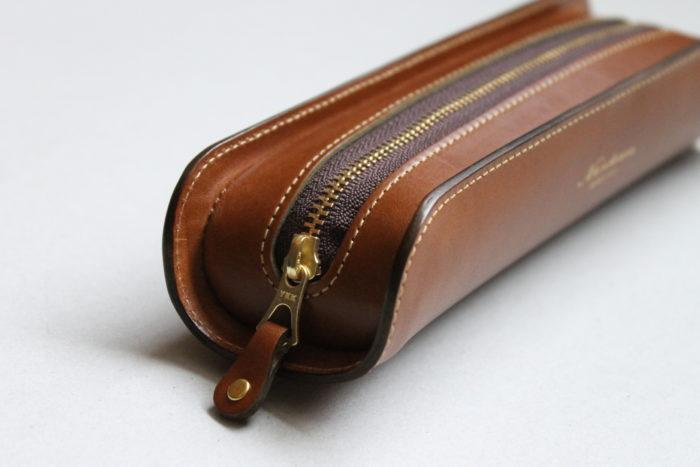 スタイルと収納力を両立したペンケース