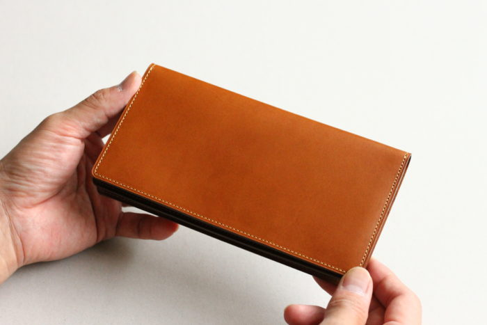 新アイテムの長財布