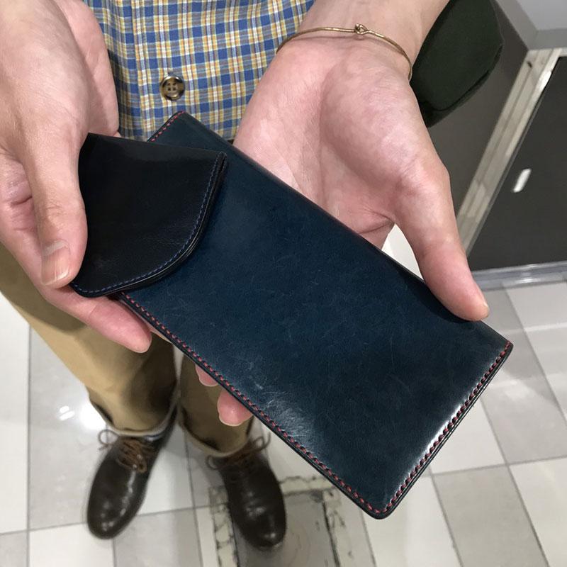 30代 男性 / 手縫い長財布 ブルー(内側:レッド)
