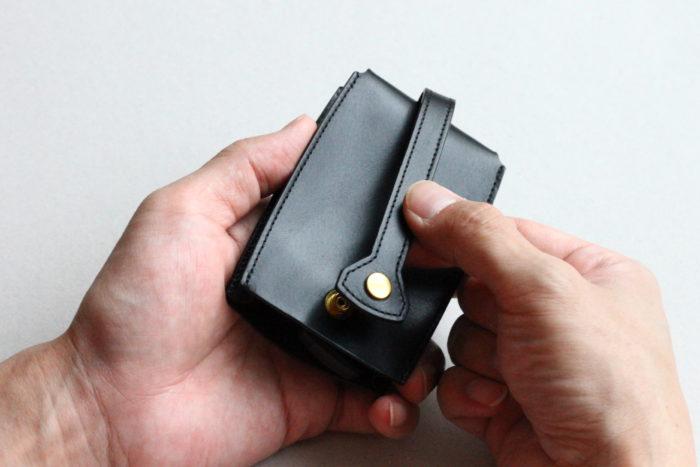ベル型キーケース Bellのホックボタン